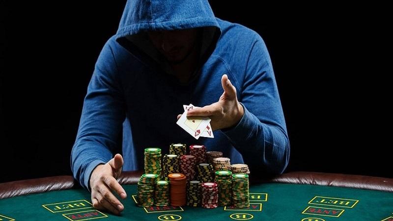 Những sai lầm khiến bạn bại trận trong game Poker ở nhà cái VN88