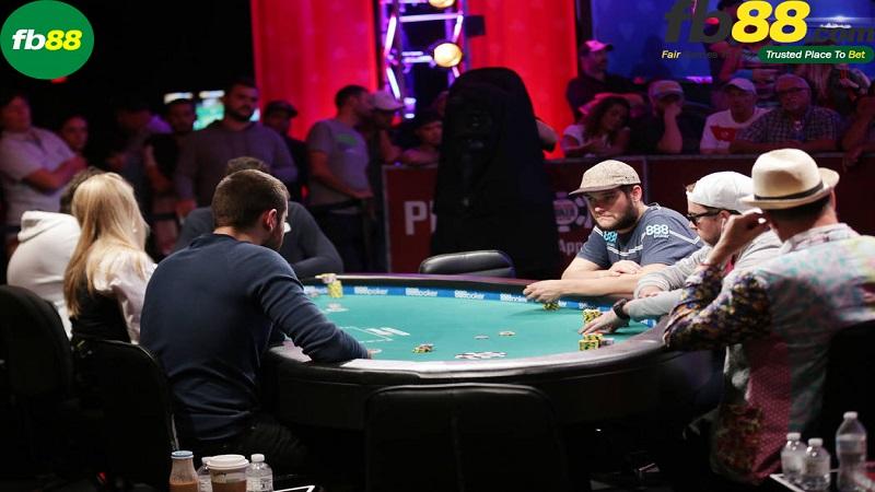 Chơi Poker ở nhà cái FB88 nói không với Superuser
