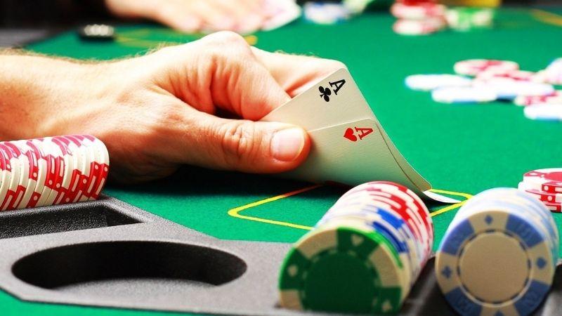 Slow play (chơi chậm) - Thủ thuật Poker đơn giản nhưng hiệu quả